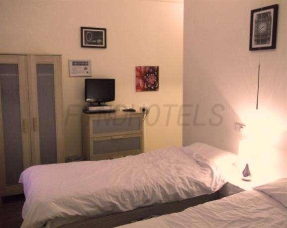 Travel Joy Hostel London 3