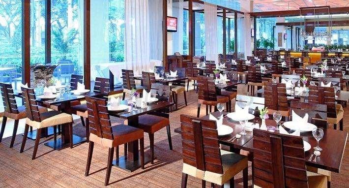 Park Regis Singapore 15