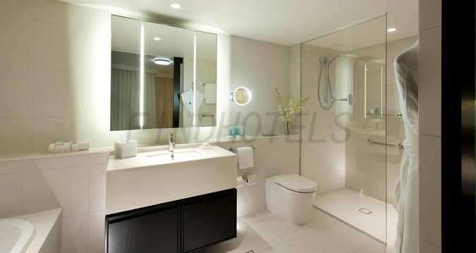 Hilton Surfers Paradise Hotel 5