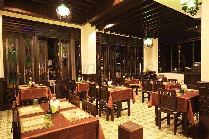 Dee Andaman Hotel 4