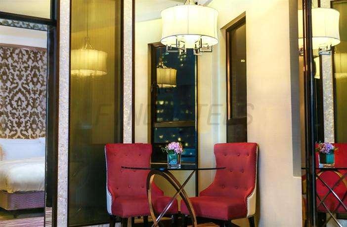 Cosmopolitan Hotel Hong Kong 15