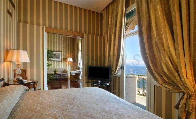 Grand Hotel Vesuvio Naples 4