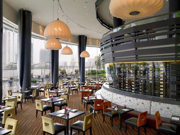 Chatrium Hotel Riverside Bangkok 8
