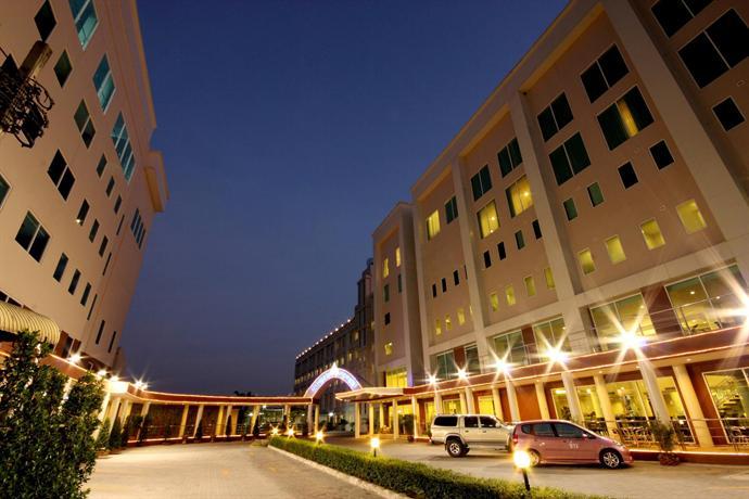 Miracle Suvarnabhumi Airport Hotel 2