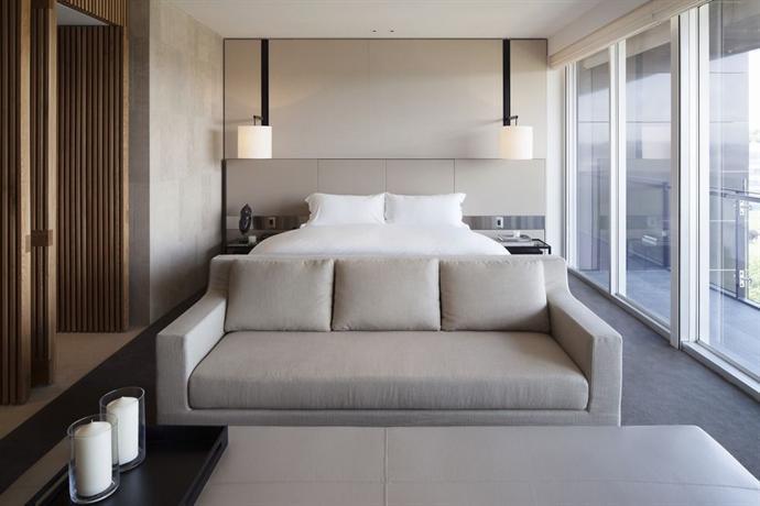 Hotel Realm 5