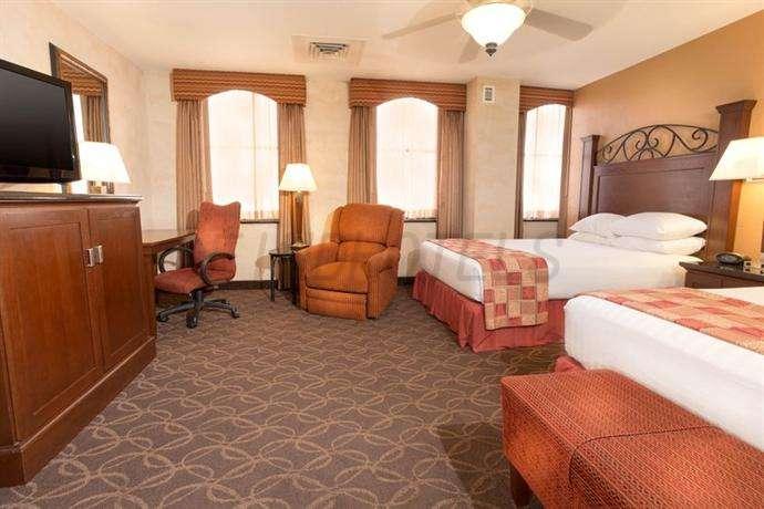 Drury Plaza Hotel Riverwalk 2