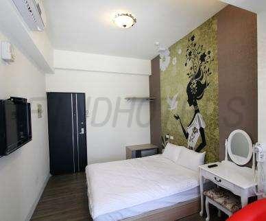 Eiffel Tower Hostel 3
