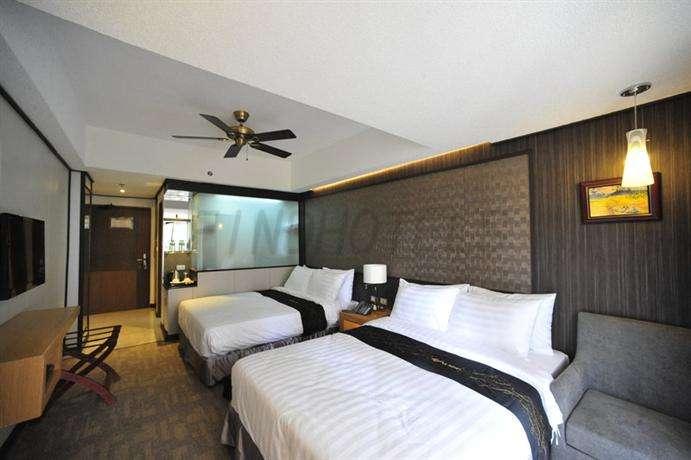 Le Monet Hotel 2