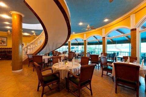 Monaco Suites De Boracay 4