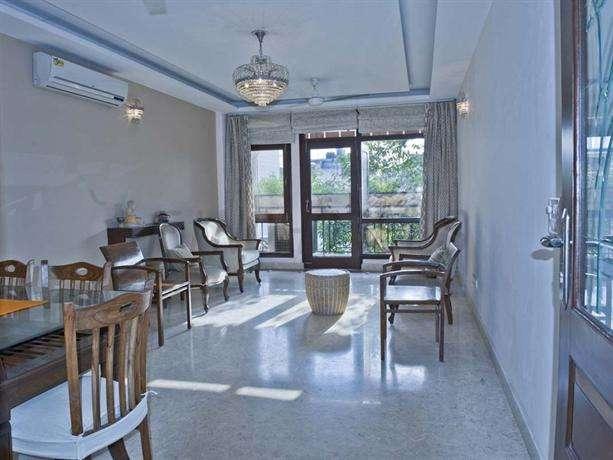 Dan Clover Home Guest house New Delhi 3