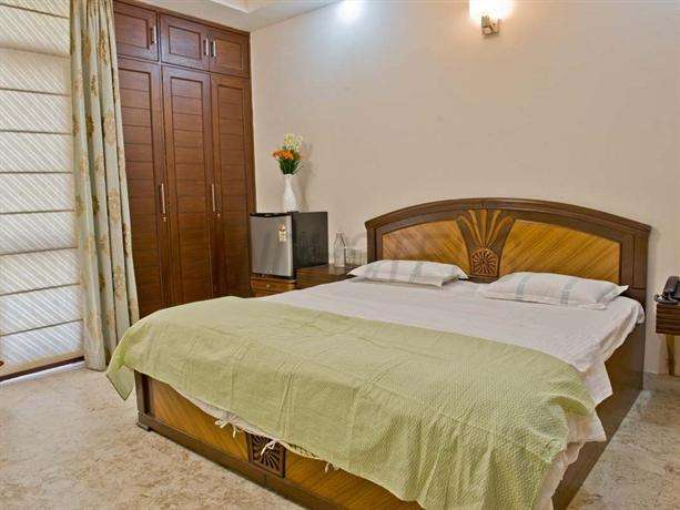 Dan Clover Home Guest house New Delhi 2