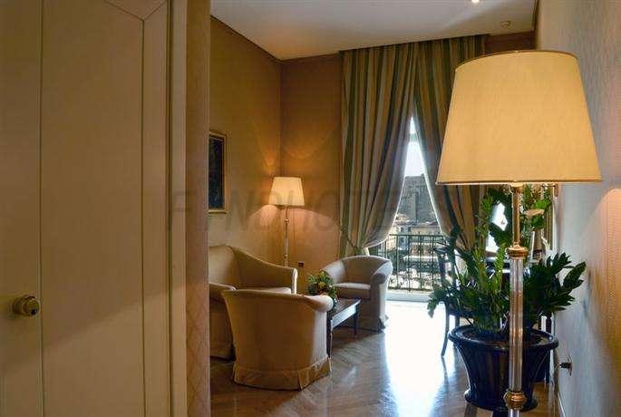 Grand Hotel Vesuvio Naples 3