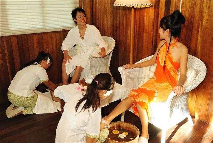 Airai Water Paradise Hotel Spa Koror 4