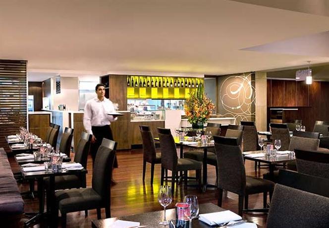 Melbourne Marriott Hotel 4