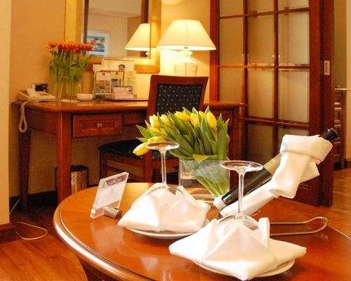BEST WESTERN PREMIER Hotel Astoria 5